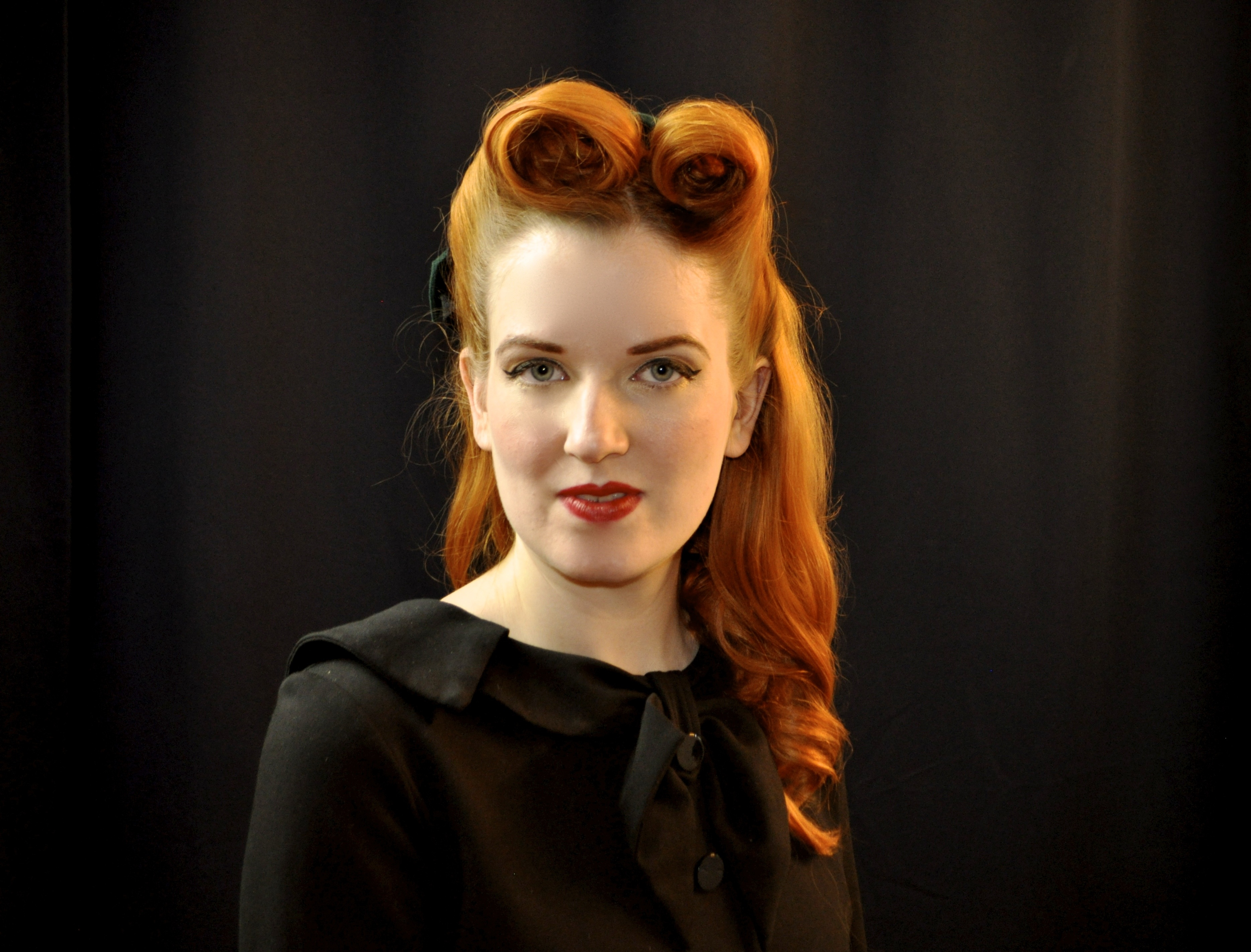 Pin-Up Victory Rolls Anleitung